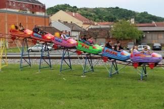 Luna Park Marsonija u Požegi na više od 20 objekata nudi odličnu zabavu za djecu i roditelje željne adrenalina i smijeha