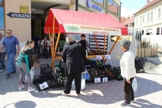 Poljoprivredno prehrambena škola započela s prodajom cvijeća iz staklenika