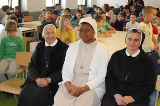 Katolička osnovna škola osmu godinu pomaže donacijama za školovanje djece u Beninu