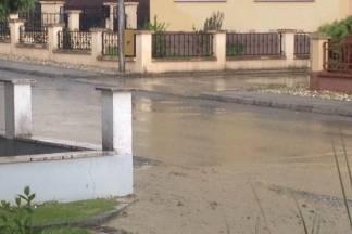 Dvorište Ankice Tadić u Požegi pliva u fekalijama iako je ulica u kojoj živi rekonstruirana