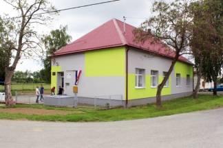 Obnovljena područna škola u Tekiću