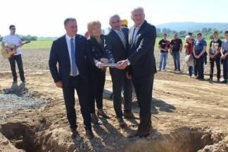 Postavljen kamen temeljac za izgradnju farme na Poljoprivredno-prehrambenoj školi u Požegi