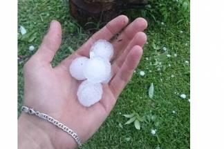 U Ivandolu padao led veličine oraha