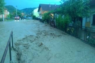 Poplava u Vidovcima, voda ulazi u kuće i dvorišta