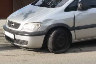 Jedan bijeg s prometne nesreće i 4 s materijalnom štetom