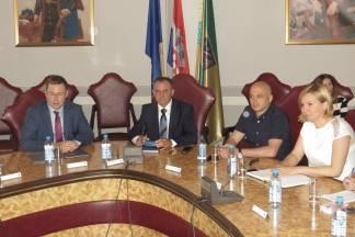 Sastanak ministra Pavića sa županom, gradonačelnicima i načelnicima