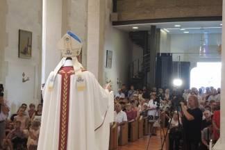 Na Veliku Gospu obitelji Požeške biskupije s brojnom djecom hodočastile u Voćin