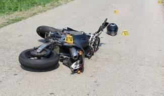 U sudaru automobila i motocikla ozlijeđen motociklist
