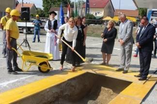 Položen kamen temeljac za trg i muzej u Pleternici