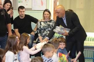 Najmlađe školarce posjetio i pozdravio gradonačelnik Darko Puljašić
