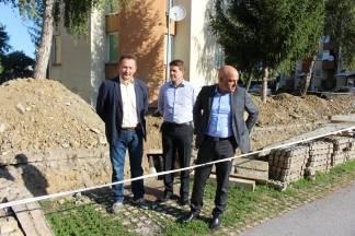 Gradonačelnik, dogradonačelnik i direktor Komunalca obišli radove na izmjeni sustava grijanja u Babinom Viru