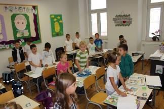 Gradonačelnik Puljašić obišao prvašiće Katoličke osnovne škole u Požegi