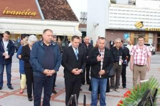 Polaganje vijenaca na Trgu 123. brigade povodom 26. godišnjice oslobađanja Vojarne u Požegi