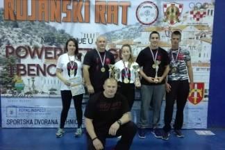 S natjecanja u powerliftingu Požežani donijeli osam zlatnih medalja