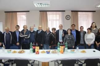 Mladež Temeljnog ogranka Centar HDZ-a darovala hladnjak Udruzi gluhih i nagluhih osoba grada Požege