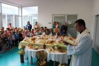 U Dječjem vrtiću Tratinčica u Pleternici obilježeni Dani kruha 11.10.2017.