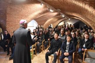 Biskup dodijelio 500 tisuća kuna stipendija učenicima i studentima