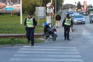 U prometnoj kod starog autobusnog kolodvora u Požegi ozlijeđen vozač motocikla