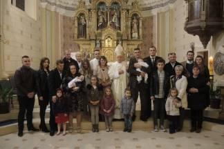 Biskup krstio šesto dijete u kaptolačkoj obitelji Šljivička