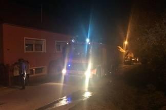 U Kukunjevcu izgorio kombajn, u Novom Selu dvorišna zgrada