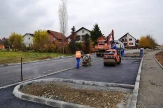 U punom jeku radovi na asfaltiranju spoja Rudinske i Zelene ulice