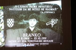 Održana premijera filma u čast poginulom Branku Drinovcu Legi  hrvatskom branitelju