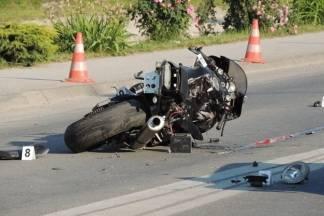U teškoj prometnoj nesreći kod Jaruga mrtvo stradao motociklist