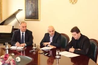 Gradonačelnik Puljašić sa svojim zamjenicima najavio nadolazeću sjednicu i istakao bitne točke dnevnog reda