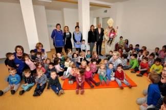 Sv. Nikola i gradonačelnik Puljašić obišli mališane dječjih vrtića i bolnice