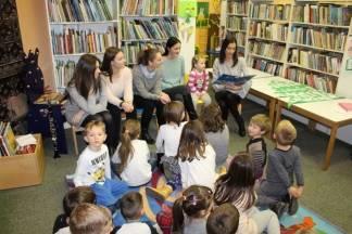 Gimnazijalci održali ¨Tulum slova¨ u Gradskoj knjižnici i čitaonici Požega