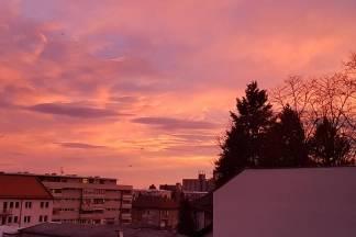 Fotka dana: Vatreno nebo nad Požegom, 12.12. i ugodnih 16°C