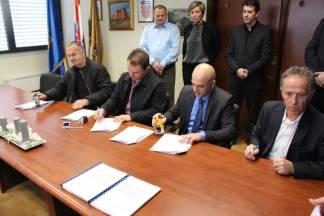 Potpisivanje Ugovora o sufinanciranju projekata za aglomeraciju Požega i Pleternica s partnerima