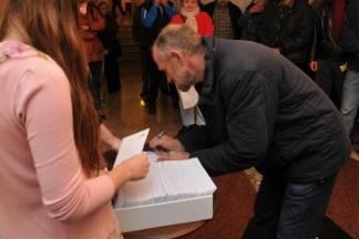 Gradonačelnik uručio novčane bonove i poklon pakete korisnicima pomoći