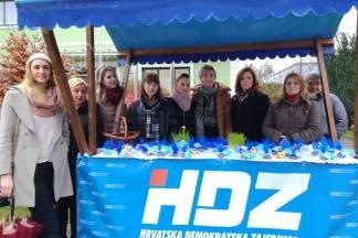 Zajednica žena Katarine Zrinski Pleternica podijelila građanima pšenicu