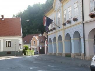 Zastava Europske unije se vijori na Gradskoj kući
