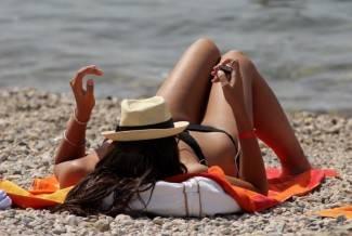 Provod na moru: Talijani, Morales i patke na plaži