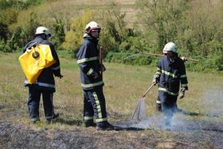 U požaru izgorjele četiri role sijena