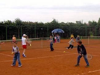 Pozornost ćemo usmjeriti na mlade tenisače