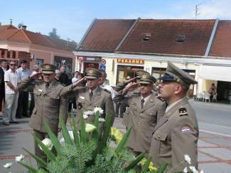 Pred Dan državnosti: Polaganje vijenaca za poginule branitelje