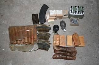 Otac i sin u kući čuvali cijeli mali arsenal oružja