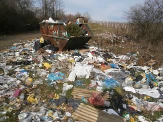 Vaše fotografije: Divlje odlagalište u Komušini