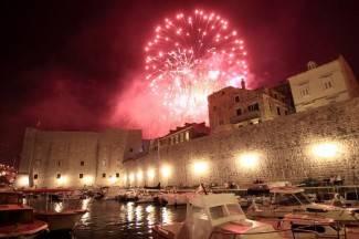 Vatromet u Dubrovniku oduševio turiste (foto)