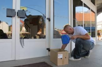 Zbog problema s teleoperaterom iskalio se na vratima pošte