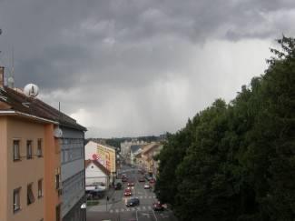 Tijekom prijepodneva kiša i grmljavina, do kraja dana razvedrvanje