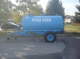 U Sovskom Dolu pukla cijev; mještani dobivaju vodu iz cisterne