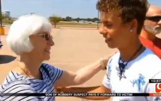 Tinejdžer vraća novac starici koju je njegov otac opljačkao