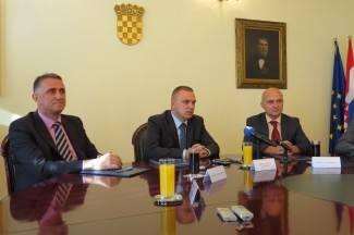 Neferović potpisao sporazum s dekanima osječkih fakulteta