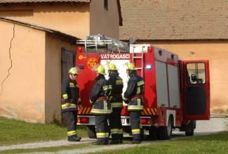 Vatrogasci prikupljaju namirnice za vukovarsku socijalnu trgovinu