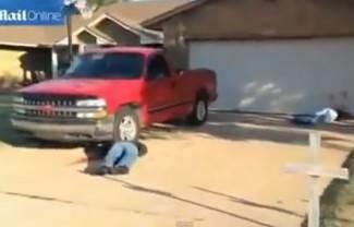 Inscenirao pokolj u dvorištu, susjedi zvali 911 (video)