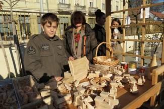 Učenici sami izradili ukrase i pekli kolače (foto)